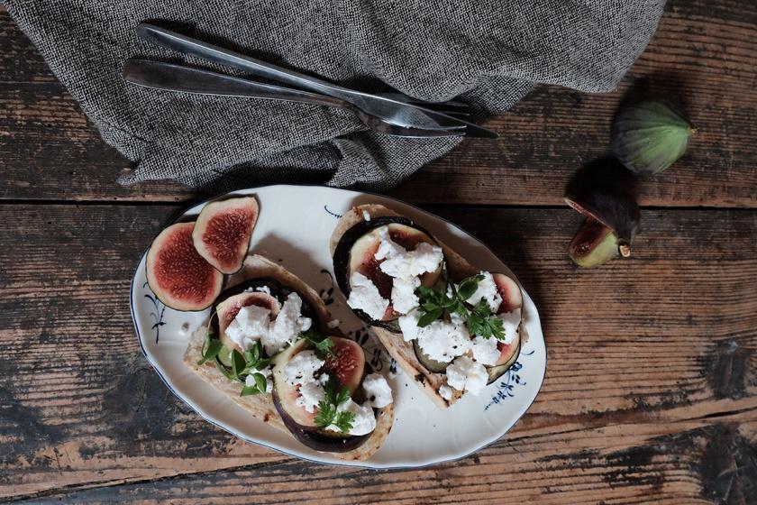 Crostini mit Aubergine und Ziegenkäse1